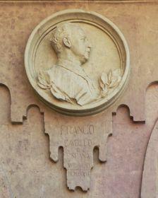 El medallón de Franco en Salamanca, foto: Basilio, CC BY-SA 3.0