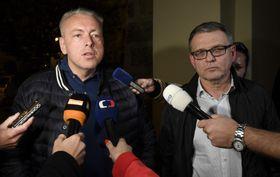 Milan Chovanec (a la izquierda) y Lubomír Zaorálek, foto: ČTK