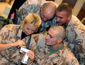Návrat části vojenských chemiků zKuvajtu, foto: ČTK