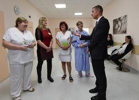 Andrej Babiš bei der Eröffnung des Hebammenzentrums (Foto: ČTK / Roman Vondrouš)