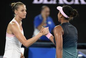 Karolína Plíšková et Naomi Osaka, photo: AP Photo/Andy Brownbill