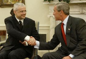 Primer ministro checo, Vladimír Spidla y presidente estadounidense George Bush, foto: CTK