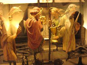 Estatuillas del reloj astronómico medieval de Praga, foto: Olga Vasinkevich