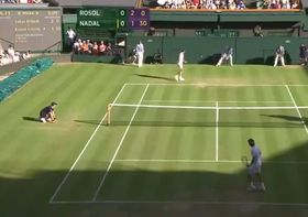 Lukáš Rosol y Rafael Nadal (a la derecha), foto: YouTube