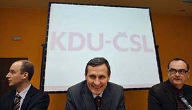 Tomáš Macek, Jiří Čunek, Roman Línek (de izquierda a derecha), foto: CTK