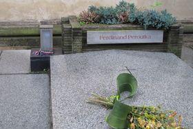 Hrob Ferdinanda Peroutky na Vyšehradě, foto: Kristýna Maková