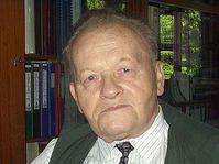 Professor Antonin Holy, photo: Zdenek Valis