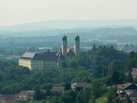 Abtei Schweiklberg (Foto: Hansueli Krapf, CC BY-SA 3.0)