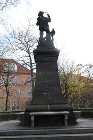 The monument to Benedict Roezl on Charles Square, Prague, photo: PeregrinusX, CC 3.0 license