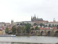 Vistas del Puente de Carlos y el Castillo de Praga, foto: Julia Rios