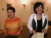Olga Zubová (vpravo) a Věra Jakubková, foto: ČTK