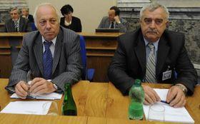 Šéf Asociace samostatných odborů (ASO) Bohumír Dufek (vlevo) apředseda Odborového svazu horníků Jan Sábel, foto: ČTK