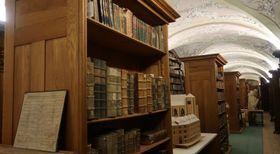Bibliothek im Prager Dominikanerkloster (Foto: Martina Schneibergová)