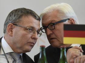 Lubomír Zaorálek y Frank-Walter Steinmeier, foto: ČTK