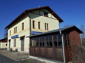 Bahnhof Dobrovice (Foto: Maria Hammerich-Maier)