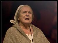 Vlasta Chramostova in the leading role of the grandmother, photo: Viktor Kronbauer