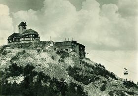 Berghotel auf dem Ještěd 1961, foto: Josef Jeništa, Wikimedia Commons, Public Domain