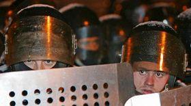 Полицейские перед Президентским дворцом (Фото: ЧТК)