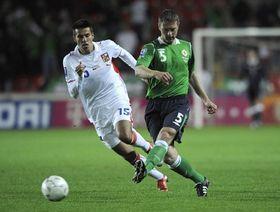 Milan Baroš (República Checa) y Stephen Craigan (Irlanda), foto: ČTK