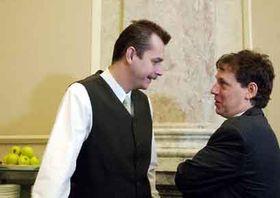 Ministro de Defensa, Jaroslav Tvrdik y Stanislav Gross, foto: CTK