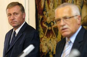 Председатель ГДП Мирек Тополанек и президент Вацлав Клаус (Фото: ЧТК)