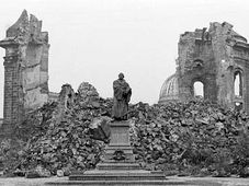 Dresde (1945), foto: CTK