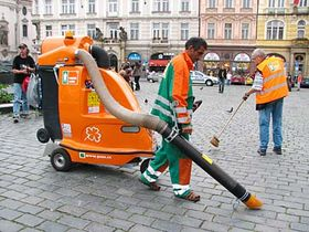 Уборка в центре столицы, Фото: Кристина Макова, Чешское радио - Радио Прага