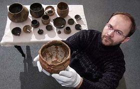 Petr Brestovanský snálezy keramiky, foto: ČTK