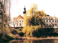 Prelatura a klášterní kostel sv. Markéty od východu