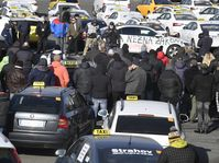 Les taxis pragois continuent leur mobilisation contre Uber, photo: ČTK