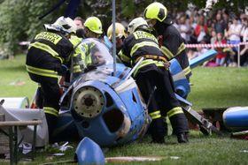 Simulated airplane crash at Karlovo náměstí, photo: CTK