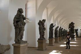Барочные скульптуры, автором которых является Маттиас Бернард Браун (Фото: Ольга Васинкевич, Чешское радио - Радио Прага)