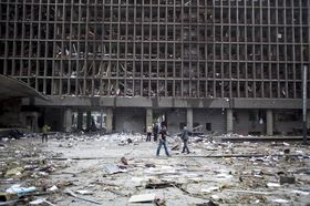 A building in Oslo after the explosion on July 22 2011, photo: CTK