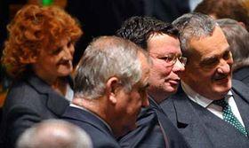 Zleva: ministrině obrany Vlasta Parkanová, Alexandr Vondra aKarel Schwarzenberg, foto: ČTK