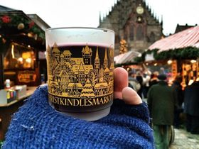 Рождественская ярмарка в немецком городе Нюрнберг (Фото: Павел Полак, Чешское радио)