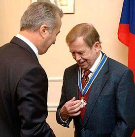 Вацлав Гавел и Иван Кулеба (Фото: ЧТК)