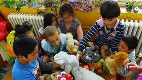Дети имигрантов в лагере для беженцев Бела - Йезова, иллюстративное фото: Архив МВД ЧР