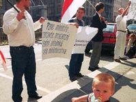 Демонстрация просителей политического убежище из Белоруссии (Фото: ЧТК)