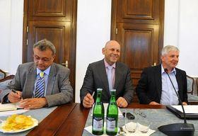 Conseil économique du gouvernement - Vladimír Dlouhý, Michal Mejstřík, Jiří Rusnok, photo: CTK