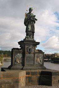 Estatua se San Juan Nepomuceno en el Puente de Carlos, foto: Jana Šustová