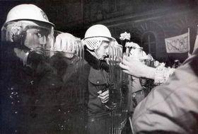 Noviembre de 1989 en una de calles de Praga