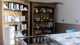 Конопляная аптека в городке Конопиште (Фото: Архив «Kонопляной аптеки»)