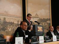 Karel Schwarzenberg parlant à la conférence internationale sur la démocratie et la sécurité, photo: Christian Rühmkorf