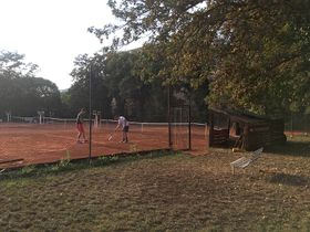 Tennis courts at Sokol Vršovice, photo: Ian Willoughby