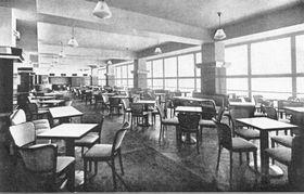 Kavárna Bílá Labuť, foto: Archiv Muzea kávy Alchymista