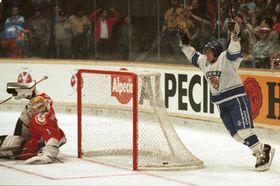 Чемпионат мира по хоккею на льду в 1992 г.: Матч Чехия - Финландия (Фото: ЧТК)