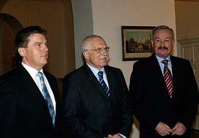 Zleva: Miloslav Vlček, Václav Klaus aPřemysl Sobotka, foto: ČTK