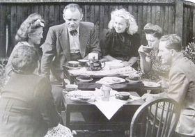 František Moravec se svými spolupracovníky ve Velké Británii, foto: archiv rodiny Moravcových