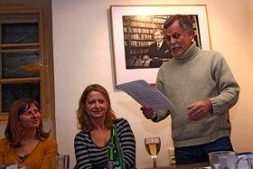 Jiří Dědeček, presidente del PEN Club checo, lee un fragmento de la obra, foto: Carlos Vicente