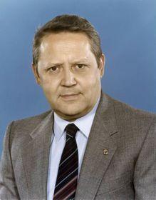Günter Schabowski (Foto: Bundesarchiv, Bild 183-1982-0504-421 / CC-BY-SA 3.0)